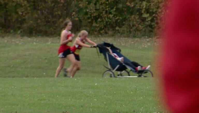Teen runner makes headlines as she pushes wheelchair-bound older brother during race in order to compete together
